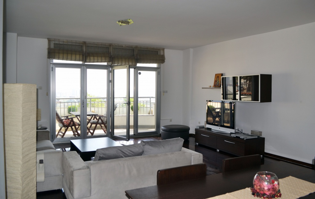 For rent Prizhino luxury apartment 135m2 with yard