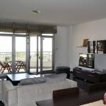 Се издава луксузен стан 135м2 Пржино со двор
