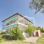 Бизнис инвестиција,продажба на 5 мали станови во Пефкохори на плац од 2000м2
