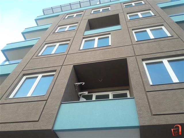 Apartments at the start of Kapishtec
