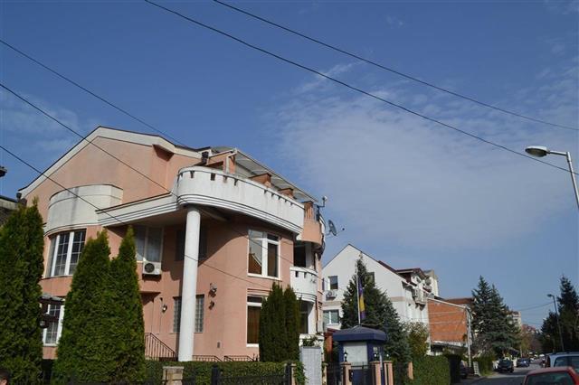 For rent , Kozle 475m2 house on 2 floors
