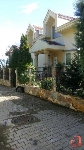 Нова куќа 300м2+500м2 двор,Бардовци